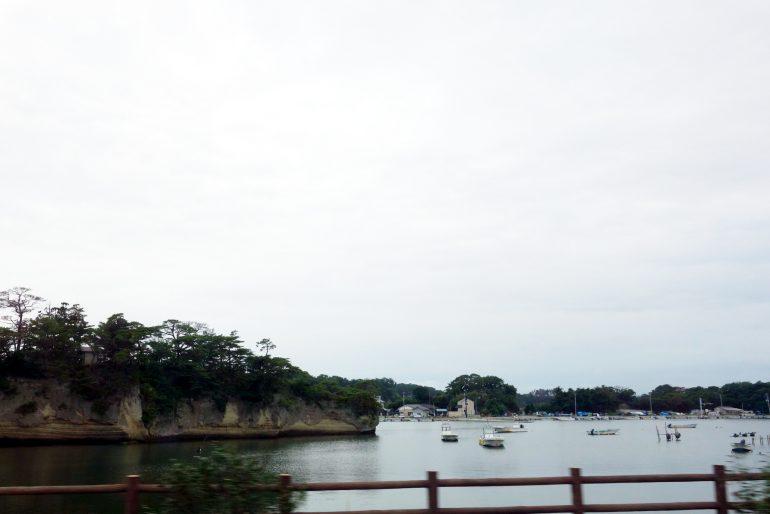 車窓からの奥松島
